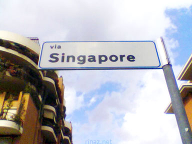Via Singapore in Italy (Pic by cartcart)