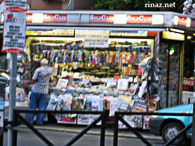 A stand selling magazines and newpapers