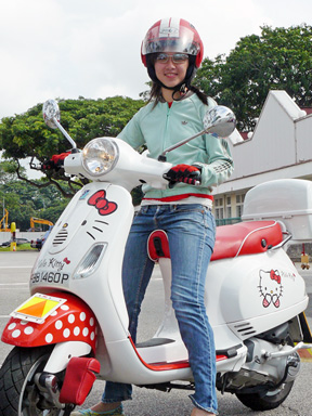 Hello Kitty Vespa - Vivo Vespa 2007