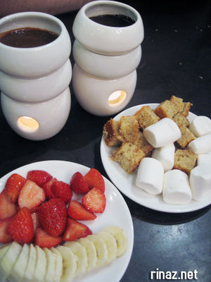 Chocolate Fondue at Max Brenner