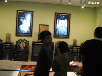 One display in the Peranakan Museum