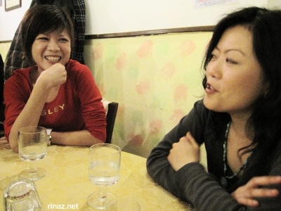 Xiangwen and Lynn talking
