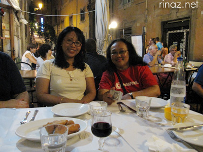 Rinaz and Rahimah - Singaporeans meet in Rome, 9 August 2009