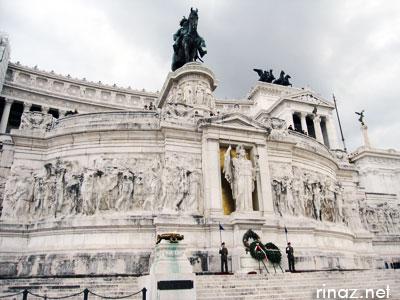 Vittorio Emanuele Monument in Rome
