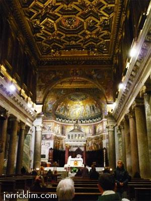 Mass at Santa Maria