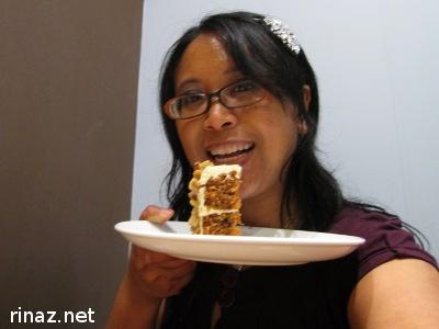 Rinaz eating cake