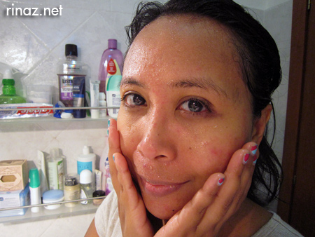 Bakin soda facial scrub