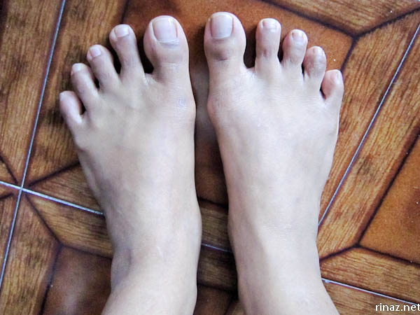 rinaz.net Bare feet