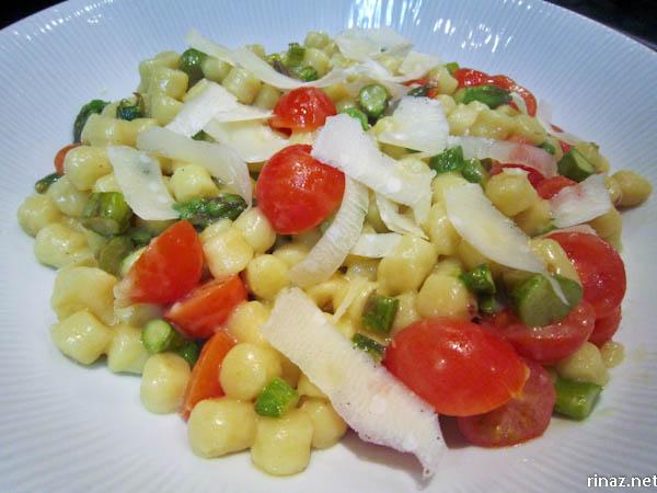 rinaz.net How to make Gnocchi con Asparagi