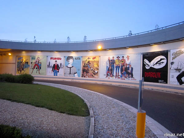 rinaz.net discovers a comic mural in Rome