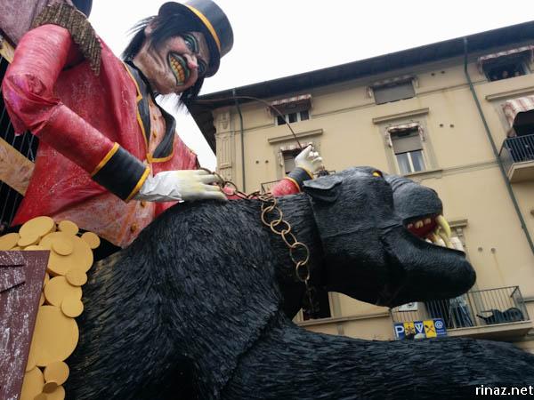 rinaz.net Carnevale in Viareggio, Italy