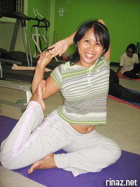 yoga makes me feel sexy  marina's bloggariffic